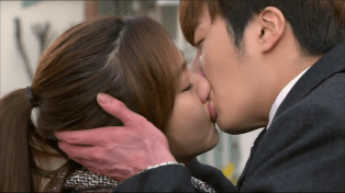 2014 01 Jung II-woo Golden Rainbow Ep 21 Kiss4