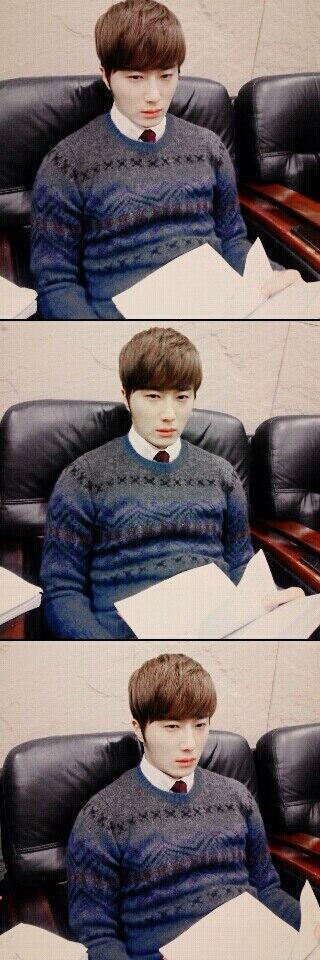 2014 02  Jung II-woo in photos he posted in various social media accounts. 2.jpg