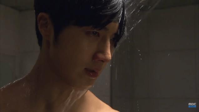 Jung II-woo in Golden Rainbow Episode 32 Shower 2