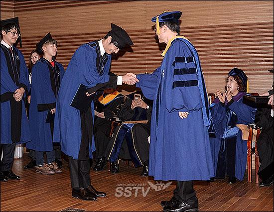 Jung II-woo's Graduation Hanyang University 2014 2 20 10
