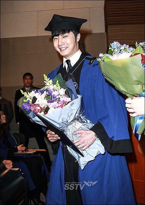 Jung II-woo's Graduation Hanyang University 2014 2 20 16