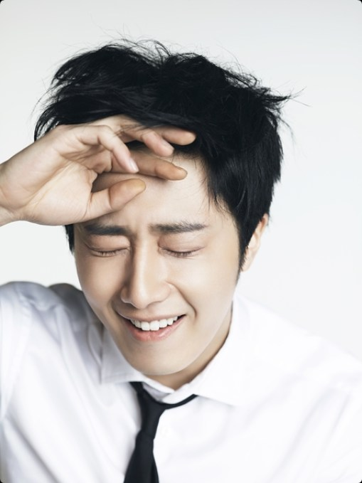 Jung Il-woo in various photos from interviews in April of 2014. 6