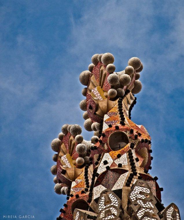 sagrada_familia_tower_by_trencapins-d34c70i.jpg