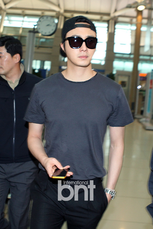 2014 5 27 Jung II-woo in Greet and Meet Holika Holika Greet and Meet Airport Arrival 2