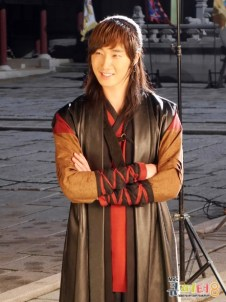 2014 7 Jung II-woo in The Night Watchman Journal Photo Shoot outside. Cr. Cupitter9 7