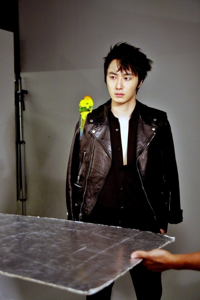 2014 7 Jung Il-woo BTS of THe Clebrity Magazine Photo Shoot. 2