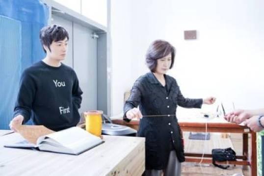 2014 8 19 Jung II-woo wearing Hanbok designed by his mom 10.jpg