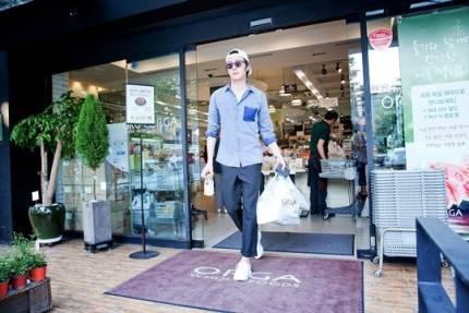 "2014 8 5 Jung II-woo ""here comes Prince Lee Rin"" Cr. Starcast 12.jpg"