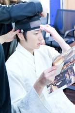 2014 8 5 Jung II-woo here comes Prince Lee Rin Cr. Starcast 23