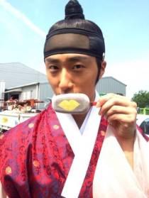 2014 8 5 Jung II-woo here comes Prince Lee Rin Cr. Starcast 26
