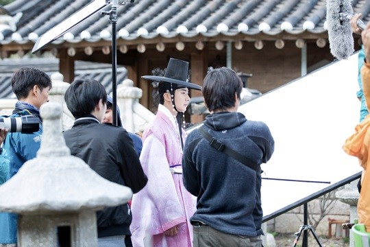 2014 10 7 Jung Il-woo dates his girlfriend:s secretly Cr. jungilwoo.com for Starcast 23.jpg