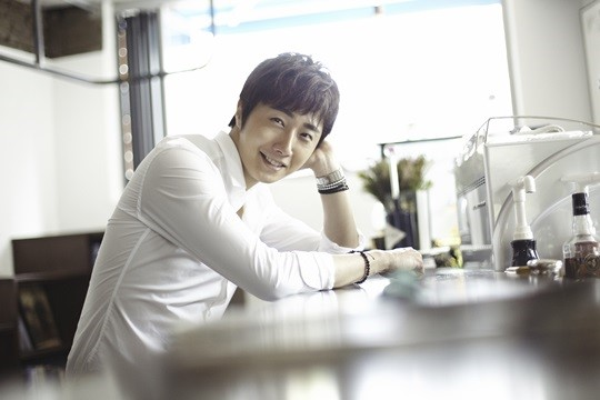2014 9 Dating Jung II-woo Starcast.  3.jpg