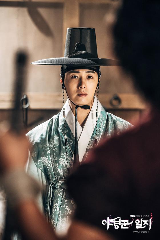 2014 9 Jung II-woo in Night Watchman's Journal Episode 10 BTS Cr.MBC 11