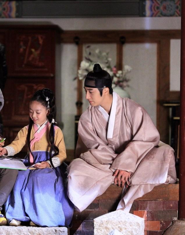 2014 9 Jung II-woo in Night Watchman's Journal Episode 10 BTS Cr.MBC Xtra 2