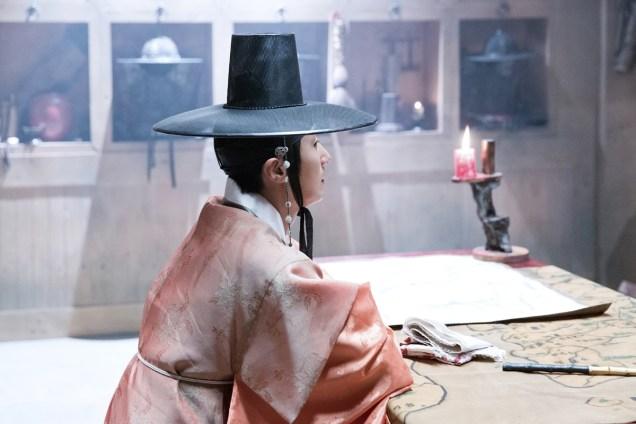 2014 9 The Night Watchman's Journal Episode 15 BTS . Cr. jungilwoo.com7