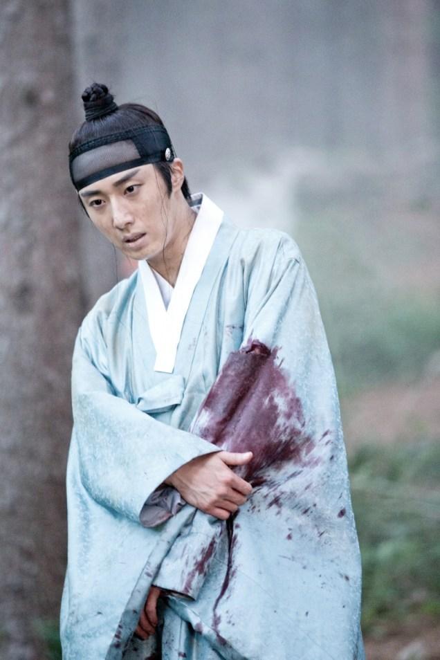 Jung II-woo in the Night Watchman's Journal Episode 6 BTS Cr. MBC 20