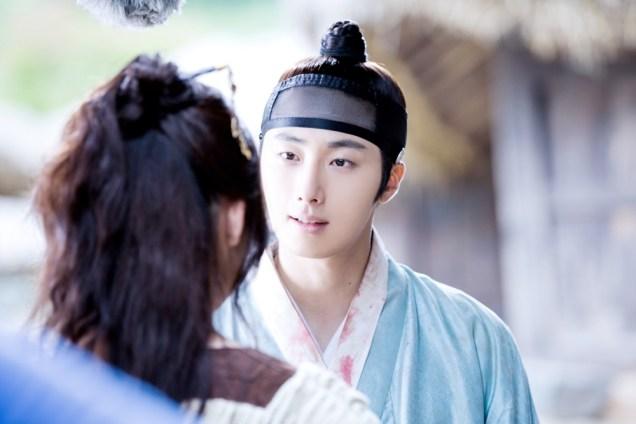 Jung II-woo in the Night Watchman's Journal Episode 7 BTS Cr. jungilwoo.com10