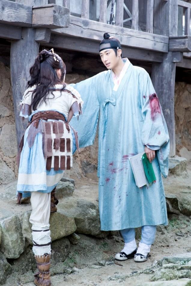 Jung II-woo in the Night Watchman's Journal Episode 7 BTS Cr. jungilwoo.com12
