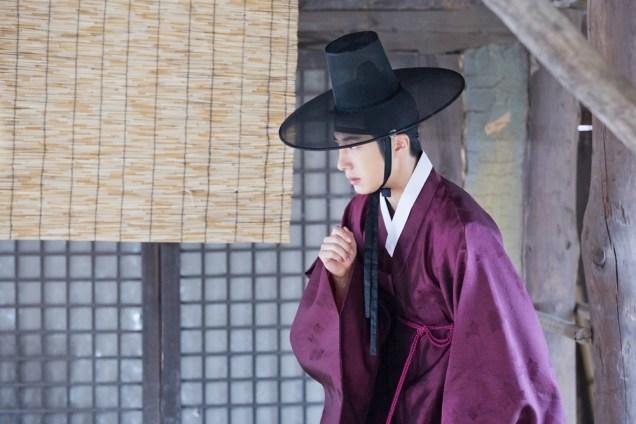 Jung II-woo in the Night Watchman's Journal Episode 8 BTS Part 2 Cr. jungilwoo.com 1