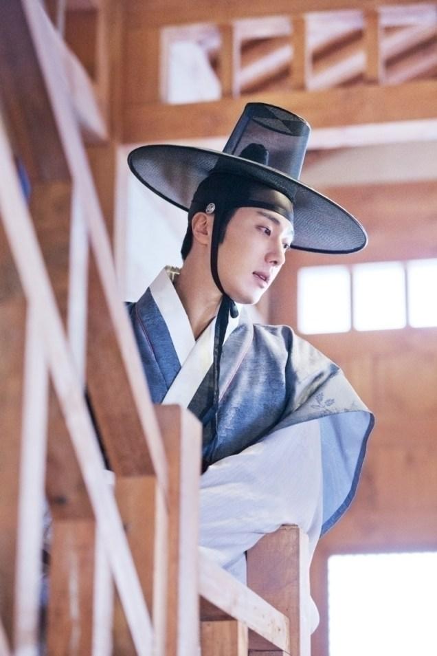 Jung II-woo in the Night Watchman's Journal Episode 8 BTS Part 2 Cr. jungilwoo.com 9