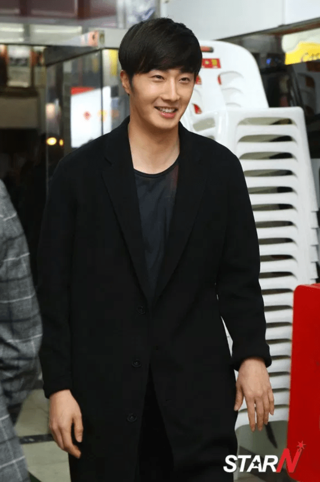 2014 10 21 Jung Il-woo in the After Party of The Night Watchman's Journal 4