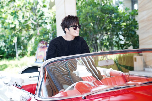 2014 10:11 Jung Il-woo in Bali for BNT International Part 1: Cars 13
