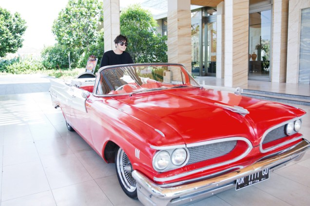 2014 10:11 Jung Il-woo in Bali for BNT International Part 1: Cars 14