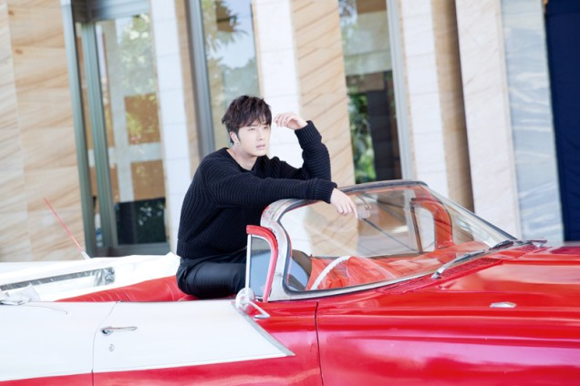2014 10:11 Jung Il-woo in Bali for BNT International Part 1: Cars 9