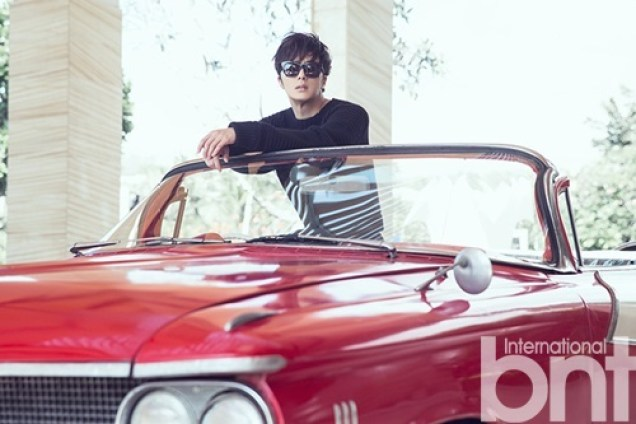 2014 10:11 Jung Il-woo in Bali for BNT International Part 1: Cars with Logo 3