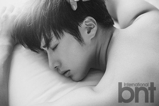 2014 10:11 Jung Il-woo in Bali for BNT International Part 2: Bed Bath and Beyond with LOGO .jpg2
