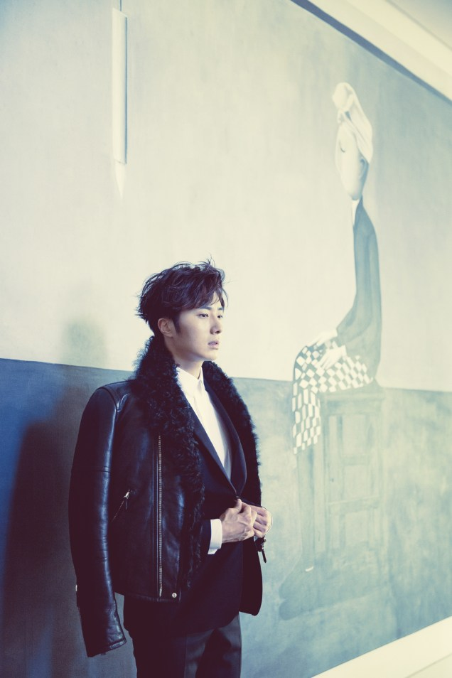 2014 10:11 Jung Il-woo in Bali for BNT International Part 2: Black Leather Furry Jacket Oasis 5