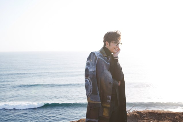 2014 10:11 Jung Il-woo in Bali for BNT International Part 3: Burberry Coat .jpg11