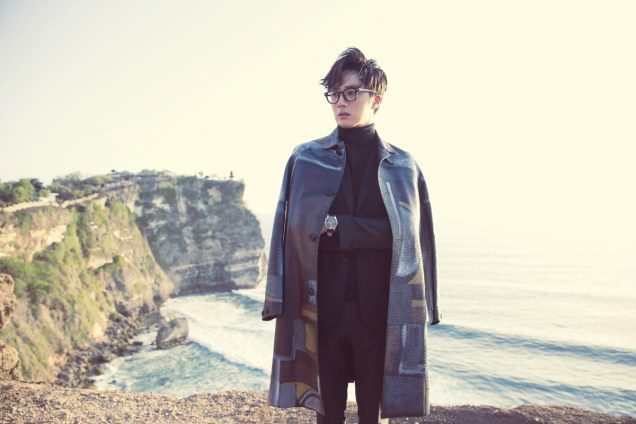 2014 10:11 Jung Il-woo in Bali for BNT International Part 3: Burberry Coat .jpg3