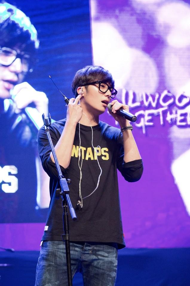 2014 11 22 Jung II-woo in his Fourth Korean Fan Meet. Cr.jungilwoo.com 5.jpg