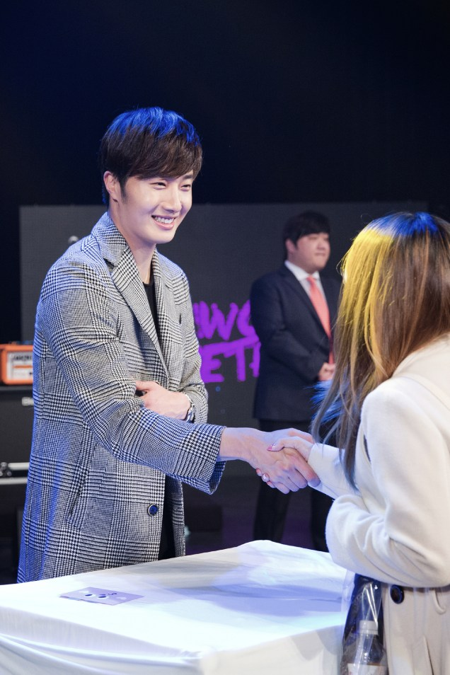 2014 11 22 Jung II-woo in his Fourth Korean Fan Meet. Cr.jungilwoo.com 97.jpg
