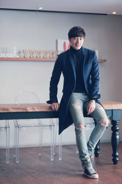 2014 11 Interviews Part 1 Ripped Jeans 4