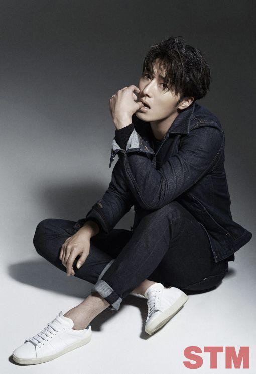 2014 11 Jung II-woo in STM Magazine 5