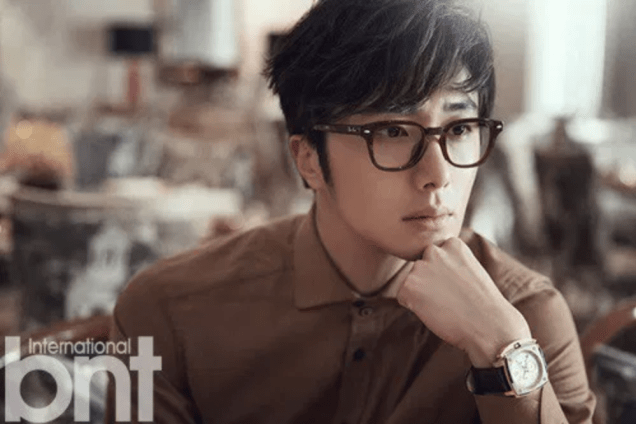 2014 11 Jung Il-woo in Bali Photo Shoot for BNT International. More with Logo 9.png