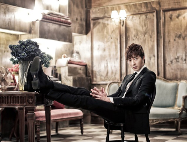 2014 12 21 Jung Il-woo in a Atelier2018 Photo Shoot 2