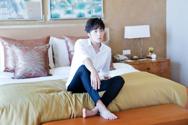 22014 10:11 Jung Il-woo in Bali for BNT International Part 2: In Bed Cr.BNT International13