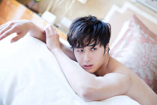 22014 10:11 Jung Il-woo in Bali for BNT International Part 2: In Bed Cr.BNT International3