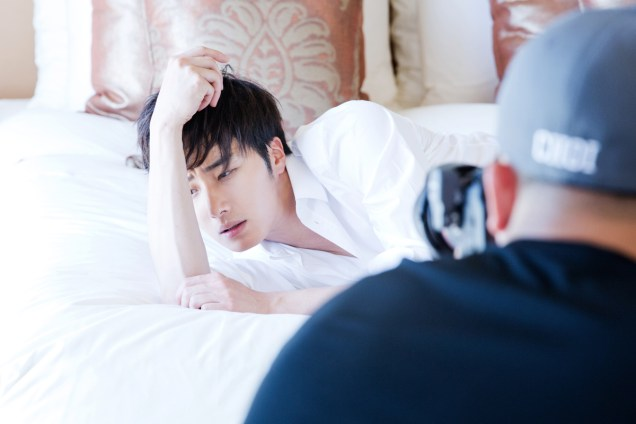 22014 10:11 Jung Il-woo in Bali for BNT International Part 2: In Bed Cr.BNT International6