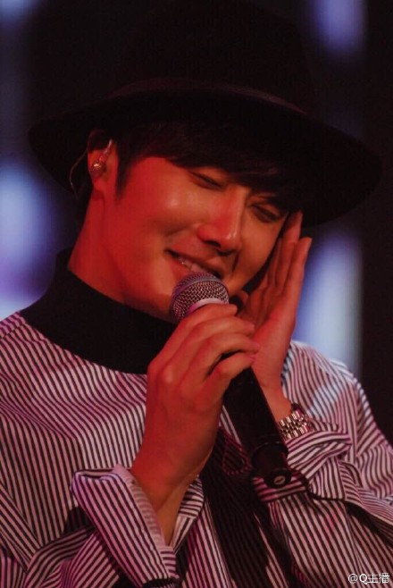2015 2 1 Jung Il-woo at the Beijing Fan Meeting. 24