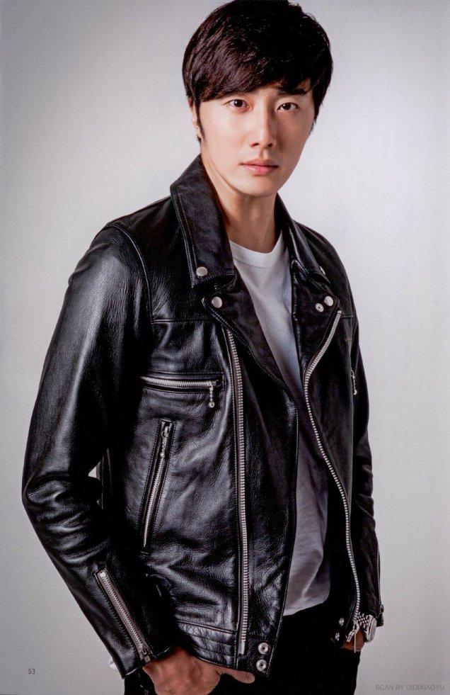 2015 2 Jung Il-woo for Jung Il Woo for Kanryu Junai TV Drama Guide (韓流純愛TVドラマガイド) Vol. Feb 20159