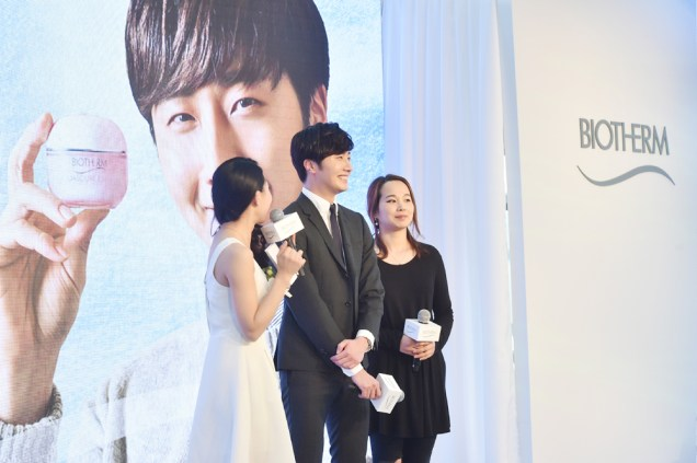 2015 3 20 Jung Il-woo at a Biotherm Event in Beijing, China. 9