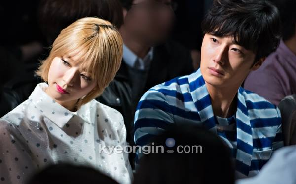 2015 3 21 Jung Il-woo at the Seoul Fashion Week wearing a Hong Hye-jin Design. 27