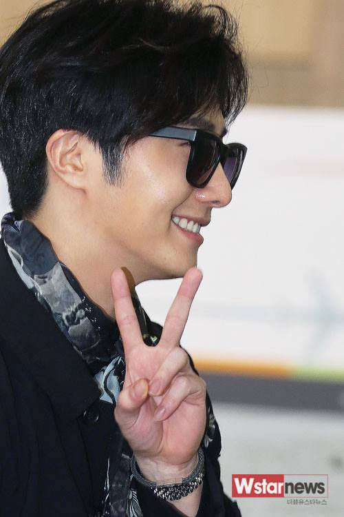 2015 3 Jung Il-woo at the airport in route to Star Chef filming in China 7