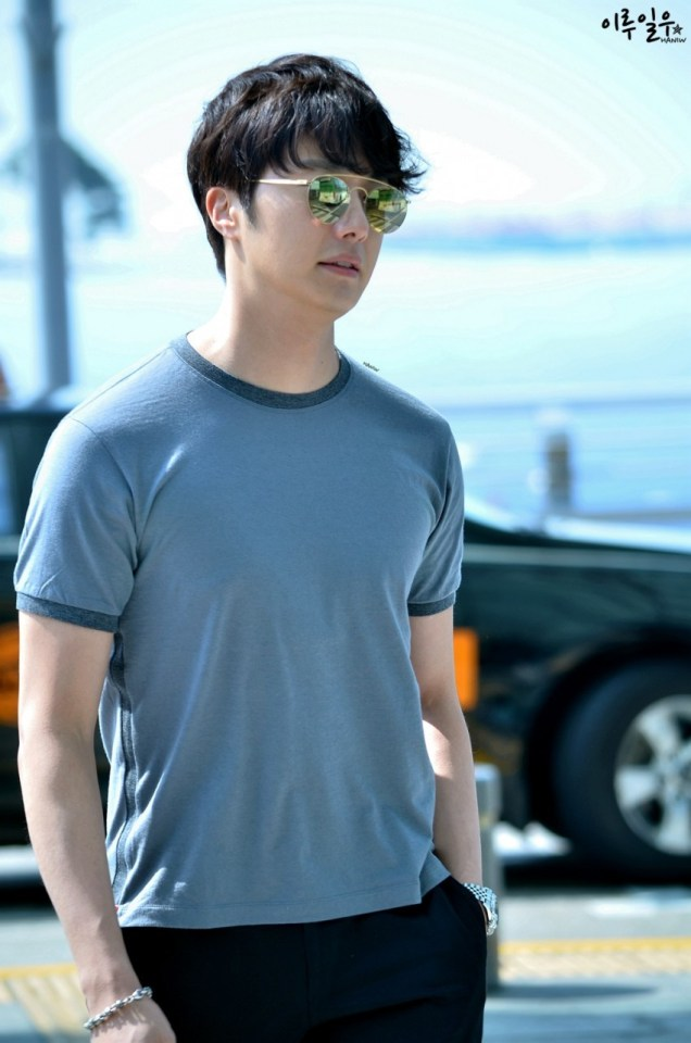 2015 3 Jung Il-woo at the airport in route to Star Chef filming in China C 22