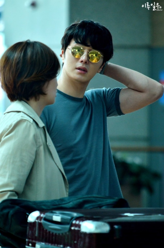 2015 3 Jung Il-woo at the airport in route to Star Chef filming in China C 25