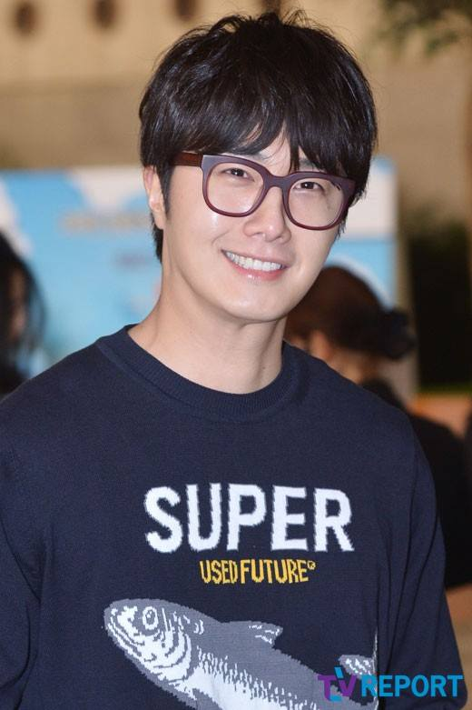 2015 4 25 Jung Il-woo in his Fan Meeting Rainbo-Woo in Tokyo, Japan. Arriving at the airport. 15